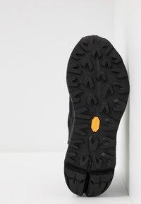 UGG - MIWO TRAINER - Sneakersy niskie - black - 4