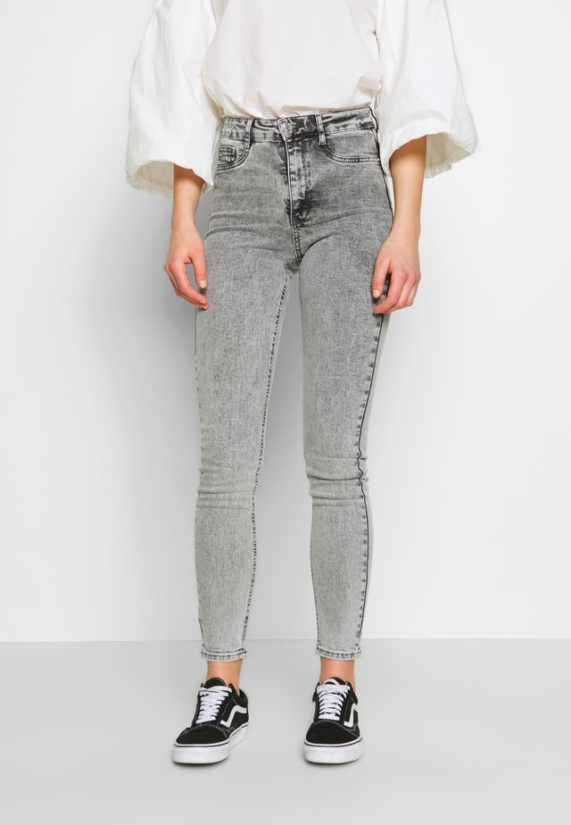 MOLLY HIGHWAIST - Skinny-Farkut - grey snow