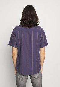 Cotton On - TEXTURED SHORT SLEEVE - Shirt - purple - 2