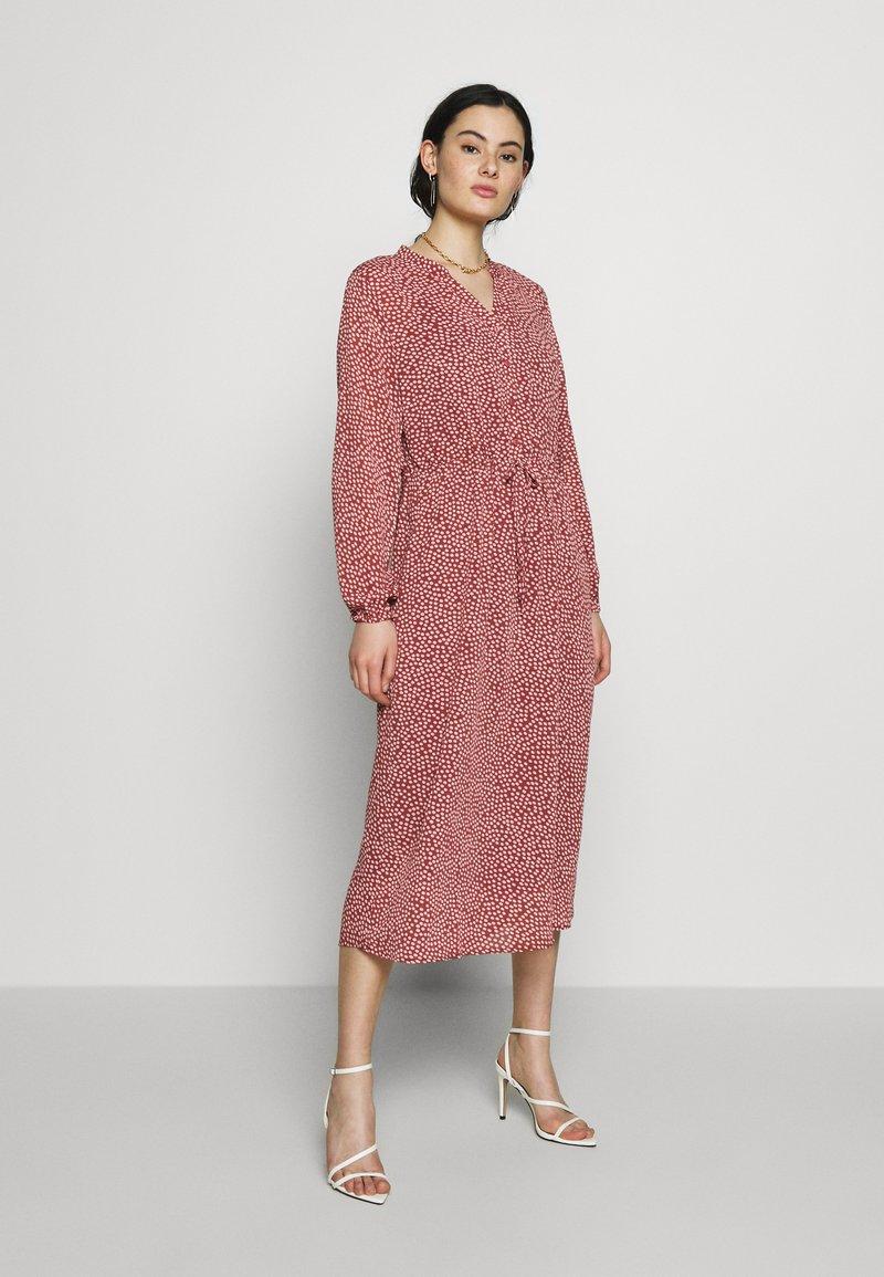 Moss Copenhagen - RIKKELIE - Korte jurk - light pink