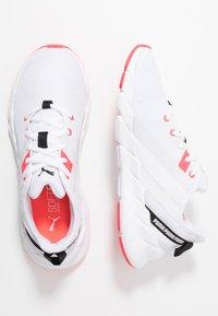 Puma - WEAVE XT - Zapatillas de running estables - white/pink alert - 1
