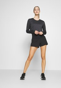 Salomon - SENSE SHORT - Sports shorts - black - 1