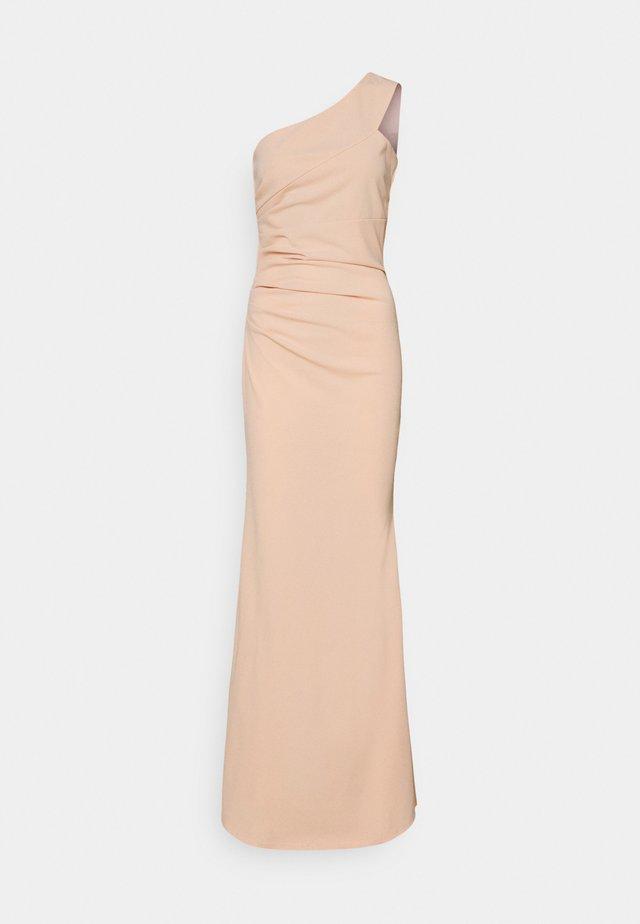 ONE SHOULDER RUCHED MAXI DRESS - Galajurk - salomon/pink