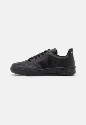 VEGAN V-10 - Sneakersy niskie - black