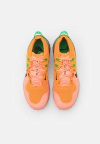 Nike Performance - WILDHORSE 6 - Løbesko trail - kumquat/green spark/atomic pink/black/olive grey/string - 3