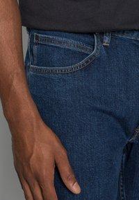 Lee - BROOKLYN STRAIGHT - Straight leg jeans - dark stone - 4