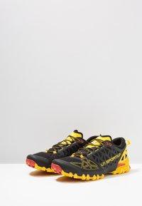 La Sportiva - BUSHIDO II - Běžecké boty do terénu - black/yellow - 2