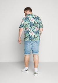 Jack & Jones - JJIRICK JJORIGINAL - Denim shorts - blue denim - 2
