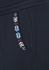 Mara Mea - GRACE GLORY - Tracksuit bottoms - night blue - 2