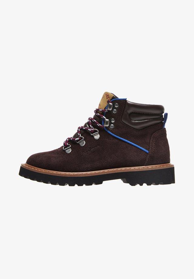 LEIA MOUNTAIN BOY - Šněrovací kotníkové boty - marrón oscuro
