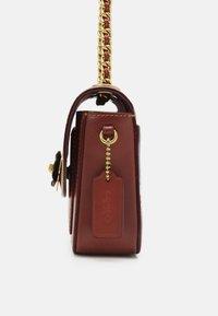 Coach - SIGNATURE MADISON SHOULDER BAG - Handbag - tan rust - 4