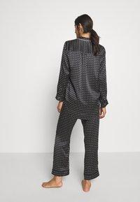 ASCENO - THE PARIS - Pyjamashirt - black square - 2