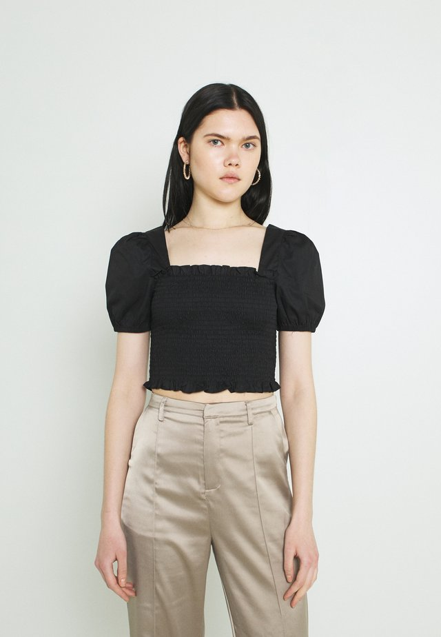 PUFF SLEEVE RUCHED CROP - Triko s potiskem - black
