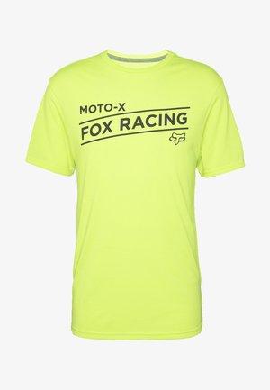 BANNER TECH TEE - Print T-shirt - lime