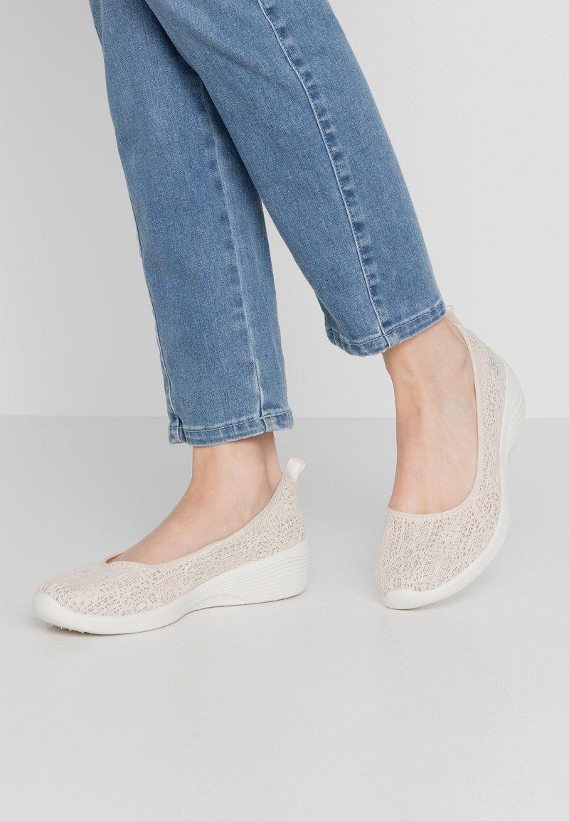 Skechers - ARYA - Ballet pumps - natural/offwhite