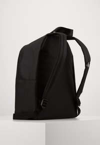 Calvin Klein Jeans - INSTITUTIONAL LOGO BACKPACK - Rygsække - black - 1