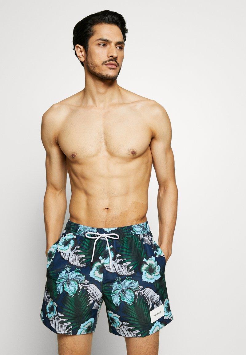 Calvin Klein Swimwear - MEDIUM DRAWSTRING PRINT - Surfshorts - blue