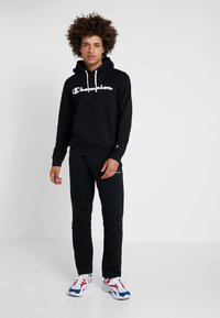 Champion - HOODED - Mikina s kapucí - black - 1