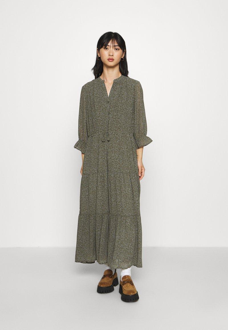 Selected Femme Petite - SLFGAIA-DAMINA ANKLE DRESS  - Maxi dress - carafe