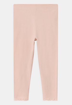 NKFVISTA CAPRI - Shorts - peach whip