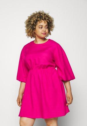 PUFF SLEEVE SKATER DRESS - Denní šaty - pink