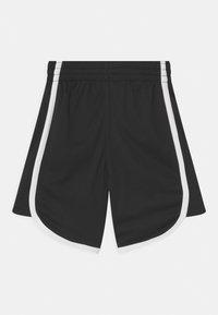 Champion - PLAY LIKE A CHAMPION UNISEX - Sports shorts - black - 1