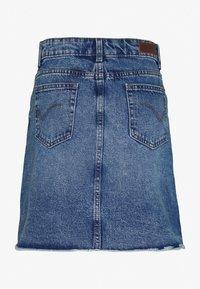 ONLY Tall - ONLSKY SKIRT  - Denimová sukně - light-blue denim - 1