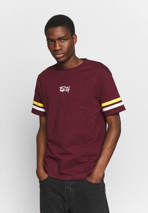 VOLCANO TEE - T-shirt imprimé - burgundy