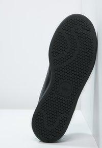 adidas Originals - STAN SMITH - Sneakers basse - black/white - 4