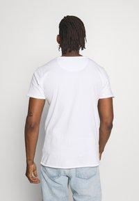 DRYKORN - KENDRICK - Basic T-shirt - white - 2