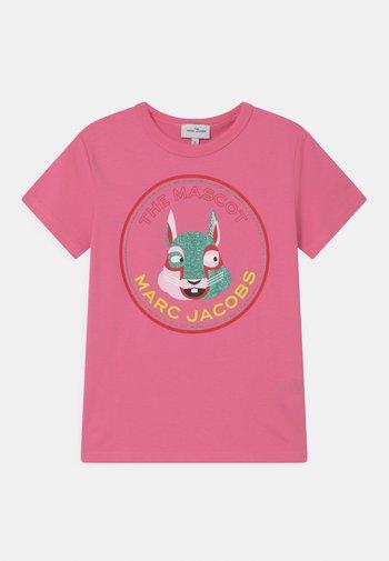 SHORT SLEEVES - T-shirts med print - pink