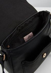 Anna Field - Across body bag - black - 4