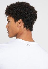 HUGO - 2 PACK - T-shirt basic - black/white - 5