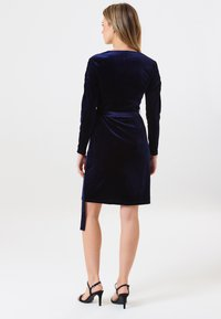 Sugarhill Brighton - WRAP DRESS BRONWYN RUCHED DETAIL - Day dress - navy - 1