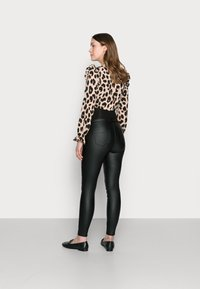 Missguided Maternity - VICE COATED  - Jeans Skinny - black - 2