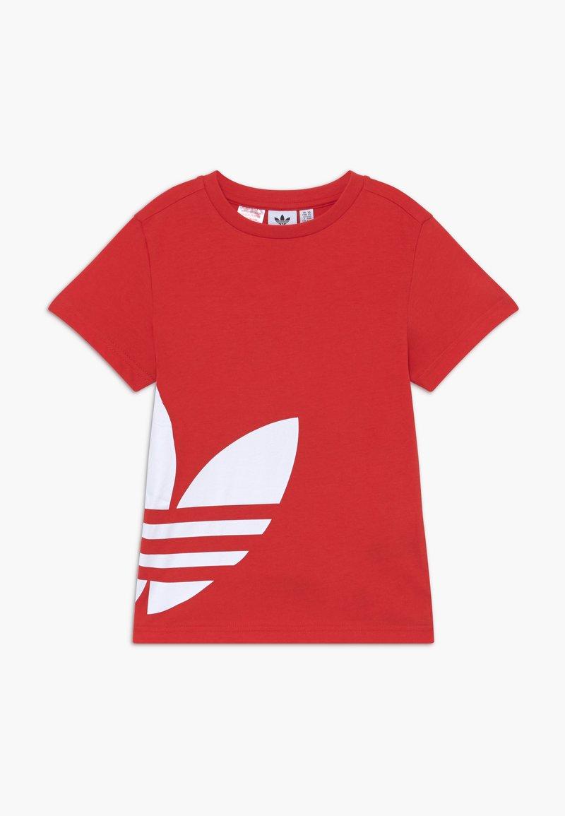 adidas Originals - BIG TREFOIL - Print T-shirt - lusred/white