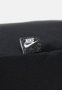 Nike Sportswear - HERITAGE CROSSBODY UNISEX - Axelremsväska - black/anthracite - 3