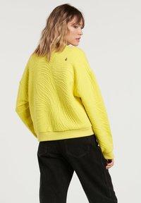 Volcom - QUILTY CREW - Fleece jumper - citron - 1