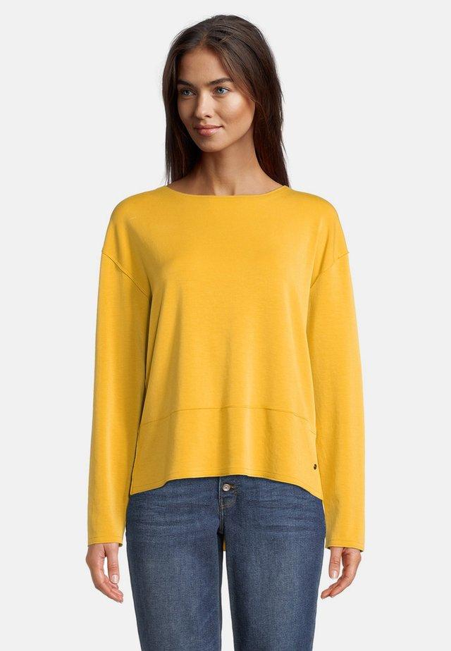 MIT RUNDHALSAUSSCHNITT - Sweatshirt - mineral yellow