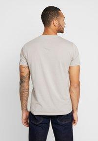 Replay - T-shirt basic - light mud - 2