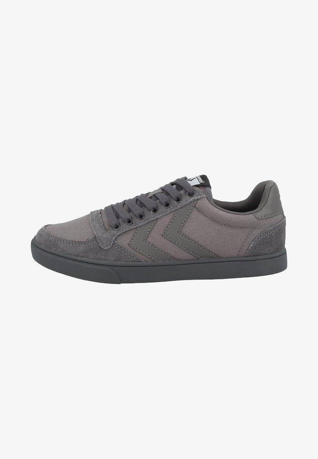 SLIMMER STADIL TONAL LOW - Sneakersy niskie - grey