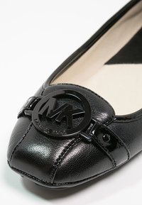 MICHAEL Michael Kors - FULTON - Ballet pumps - black - 5