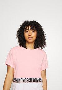 Moschino Underwear - MAXI - Nattskjorte - pink - 3