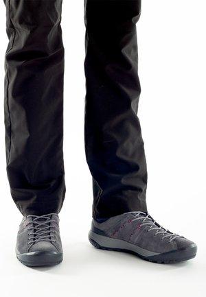 HUECO  - Hiking shoes - grey