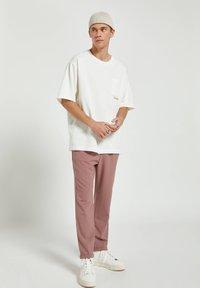 PULL&BEAR - Basic T-shirt - white - 1