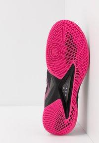 Kempa - WING LITE 2.0 WOMEN - Håndboldsko - black/pink - 4