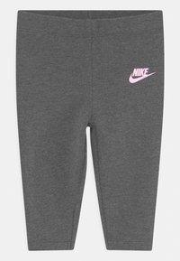 Nike Sportswear - FLUTTER SET - Leggings - charcoal heather - 2