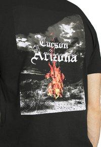274 - CACTUS FLAME TEE - Print T-shirt - black - 3