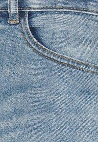 ICHI PETITE - IHTWIGGY - Denim shorts - light blue - 2