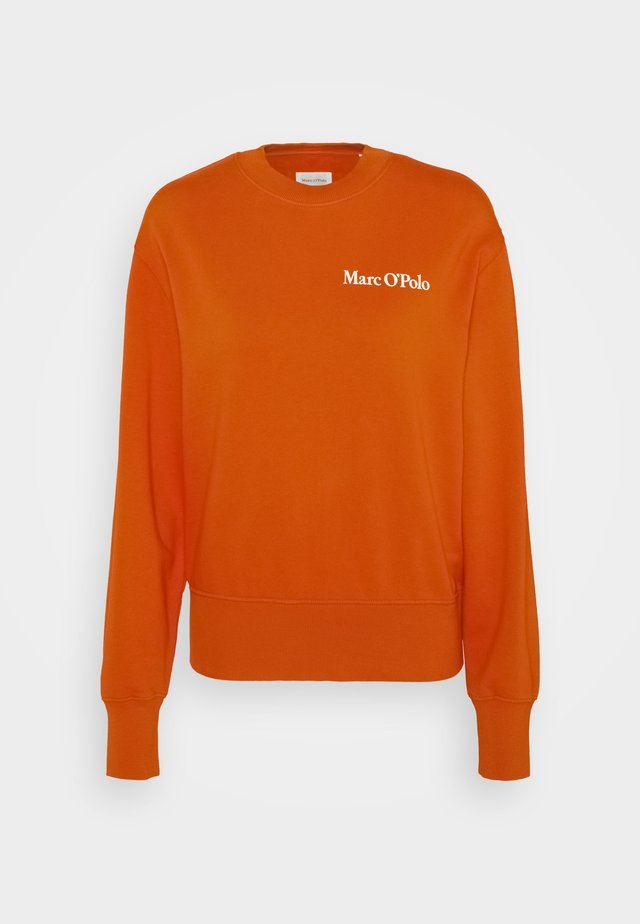 OVERSIZED, LONG SLEEVE, HIGH NECK, PLACED PRINT - Felpa - pumpkin orange
